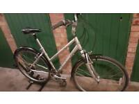 SCHWINN VOYAGE ALUMINIUM HYBIRD LADIES ROAD BIKE