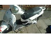 125 moped full logbook runs and rides fine