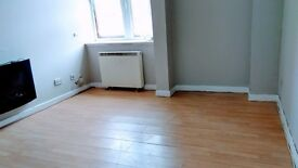 ground floor flat, centrally located - to rent