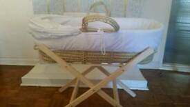 Moses cot with folding stand