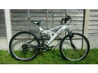 "Mens silver trax 26"" wheel mountain bike"