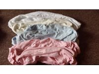 Fitted sheets for moses basket / crib