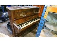 Piano, requires retuning