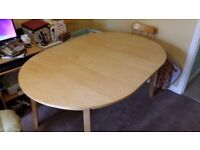 Extending kitchen/Dining table for 4-6 people & 4 chairs