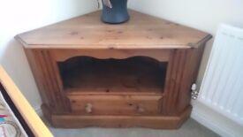 Pine Corner TV Cabinet