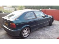 Breaking BMW E36 316i compact