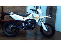 125cc Pulse Adrenaline 2012 Motorbike