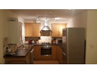 Spacious double Bedroom Available in 2 Bed Flat In Ashford