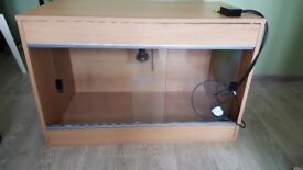 Vivarium + thermostat + heating bulb