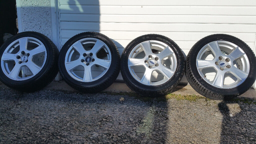 FORD GENUINE 17 '' alloy wheels + 4 x tyres 225 45 17