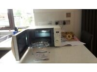 800watt Microwave with grill and oven