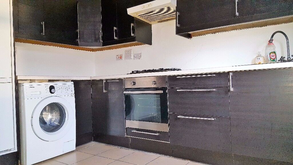 Three Bedroom Flat to Rent High Street North, Manor Park, East London, E12