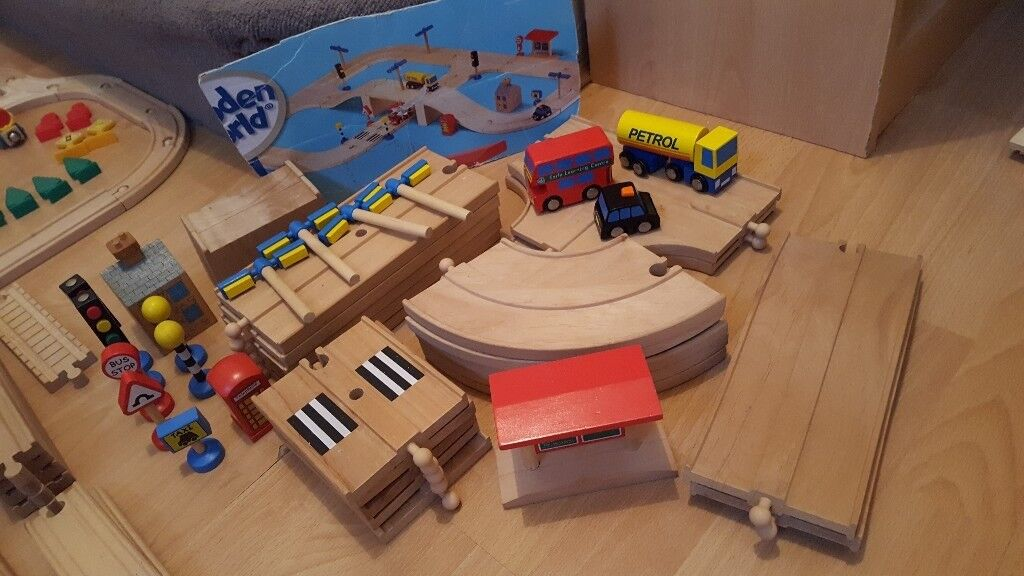 Wooden Track / Road / vehicles