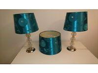 2 lamps and matching lightshade