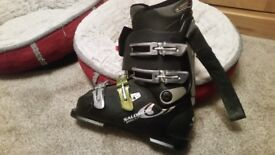 Salomon xwave8 ski boots snowboard boots