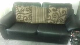 3 seater sofa very good condition ring barry on 07774637036