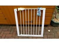 Lindam Sure Shut Securus Safety 4 point pressure Gate