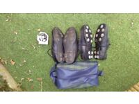 2 PAIRS GOLF SHOES SIZE 9 WITH BAG,