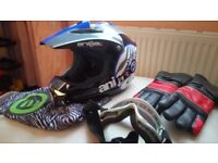 Motorcycle Helmet . Animal. Medium size. with Gloves and Goggles