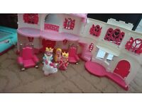 Happyland princess castle with accessories