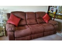FAUX SUEDE 3 SEATER RECLINER SETTEE AND 2 RECLINER ROCKER CHAIRS