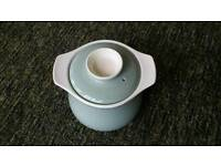 Poole pottery 2 pint casserole dish