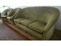 [SLC1/100] Astonishing 1920's-style 3 piece velour type sofa in mellow green! W 180cm/92cm x B 84cm