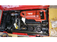 Hilti DD100 - Core Drill With Vacuum Base, Core Bits, Water Bottle £245