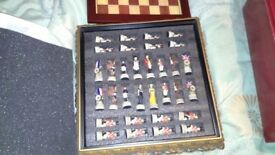 chess set - waterloo and napoleon as new mint condition