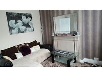 2 BEDROOM HOUSE SHARING WITH WORKING COUPLE IN BISCOT ROAD AREA. ALL INCLUSIVE BILLS.