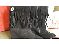 Simply Be Claire Richards Fringe wedge boots in black. size4EEE