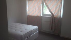 two rooms to rent in West Croydon - five minutes walking from the West Croydon Station