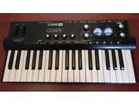 Line 6 Pod Studio KB 37, Digital USB Audio Interface, MIDI Keyboard Controller, 2 Microphone and DI