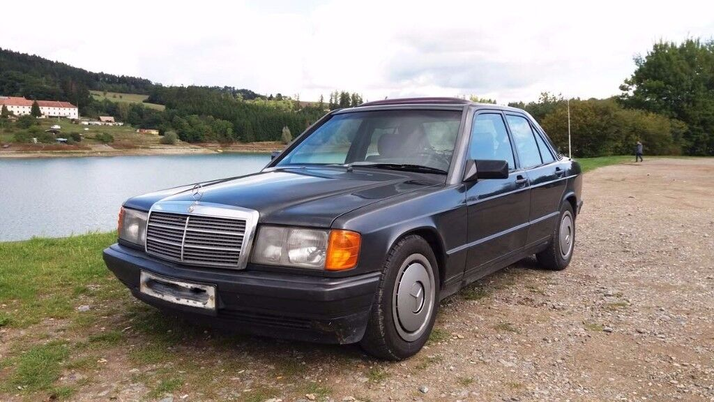 mercedes benz 190d w201 2 5 diesel 5 cylinder left hand drive lhd 1986 in tilbury. Black Bedroom Furniture Sets. Home Design Ideas