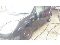 Ford fiesta 2003 breaking most parts available
