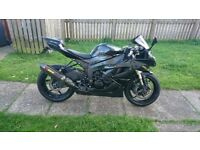 2011 Kawasaki Ninja ZX6R 600cc super sports bike - motorcycle - Akrapovic etc.