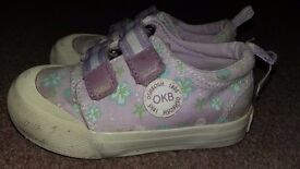 Size 5 oshkosh pumps