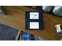 Nintendo dsi with around 100 games