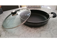 Brand NEW Black cooking pot with a glass lid