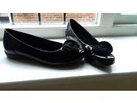 Gabor black patent woman's shoes