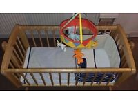 Baby Cot in Excellent Condition For Sale