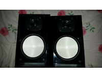 ONKYO D525 Black Gloss Bookshelf Speakers