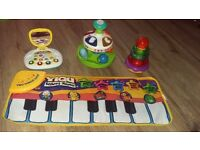 Toddlers learn and play musical toys