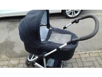 Mamas & Papas Zoom Carrycot and Chassis.
