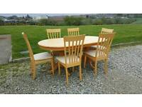Lovely table with 6 chairs