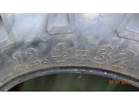 "32"" tractor tyre"