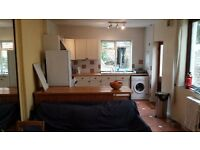 **Students** **2 Double Rooms in 4 bed house in Roath, Cardiff.**