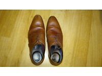 MENS CLARKS SHOES SIZE 6-HARDLY WORN
