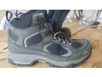 NORTH FACE GORE TEX Mens' boots VGC - size 9