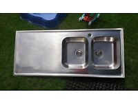 **STAINLESS STEEL SINK**DOUBLE BOWL**ONLY 6 MONTHS OLD**VERY GOOD CONDITION**DELIVERY**BARGAIN**